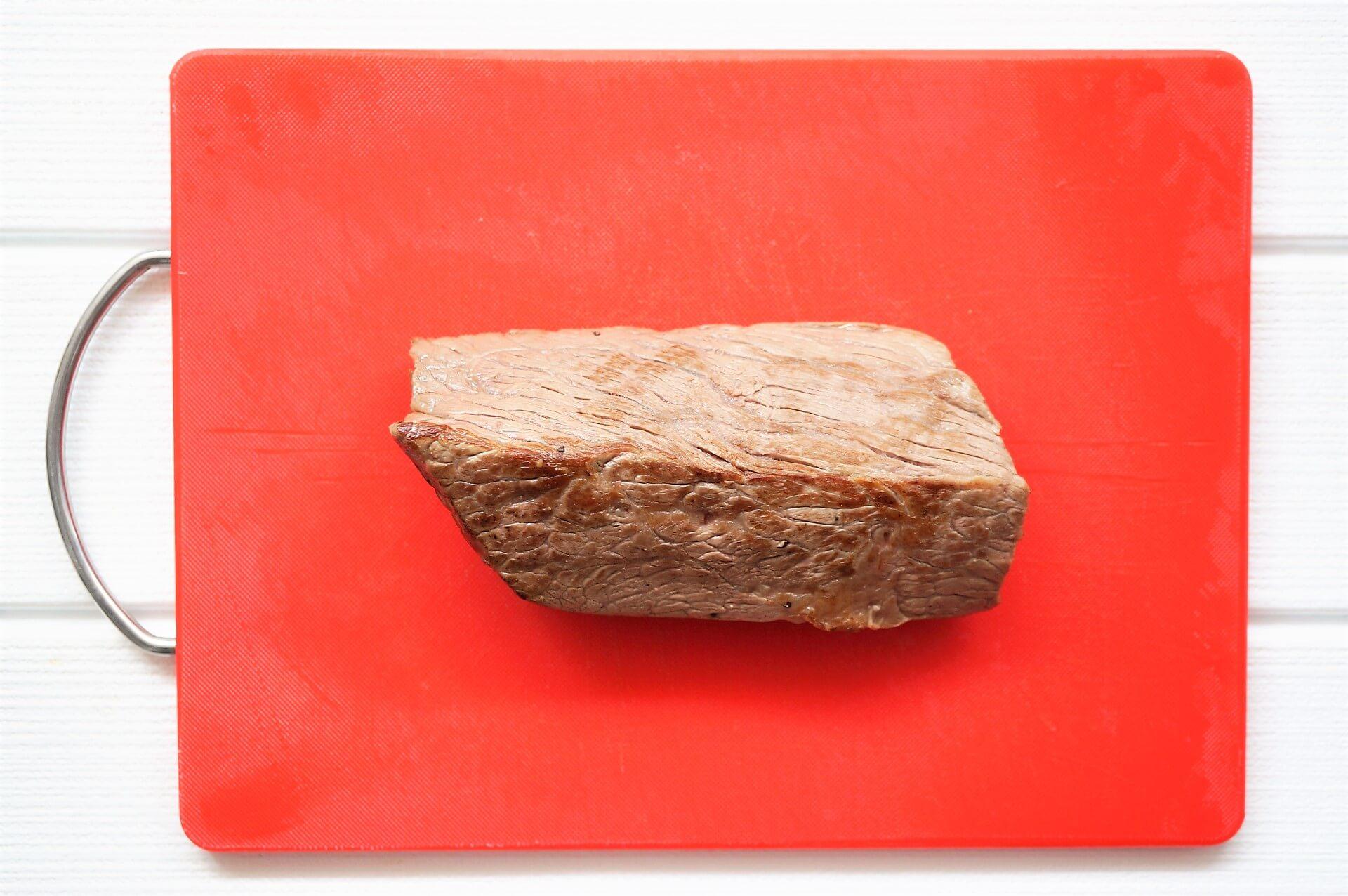 おすすめは肉寿司ローストビーフ一貫握り!ぐるめ亭で寿司と肉が食べられる!